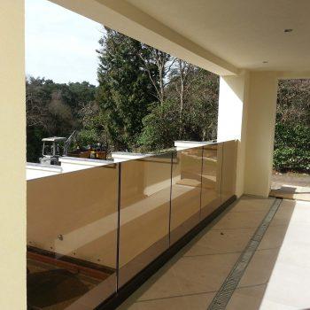 beautiful frameless glass railings