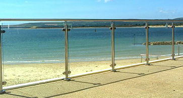 Southern Fabrication fit Glass Railings and Hand Railings